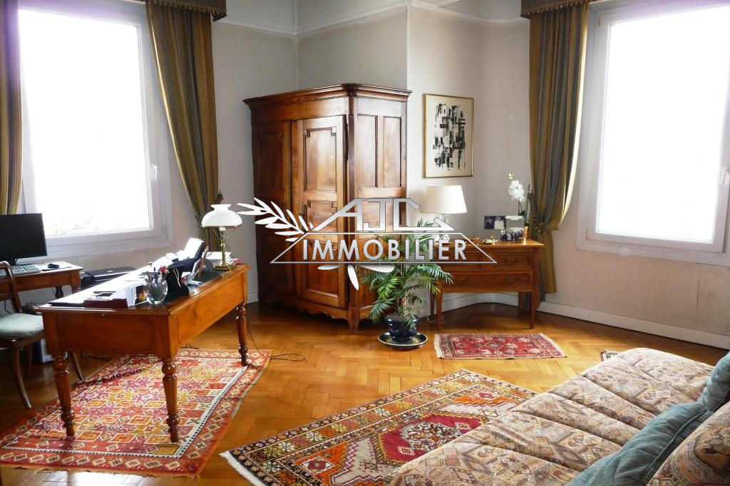 CANNES MONTROSE APPARTEMENT 4 PIECES BOURGEOIS RESIDENCE PRESTIGIEUSE VUE MER